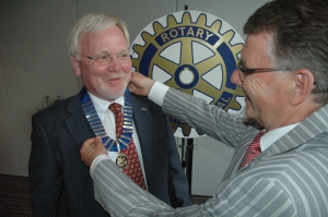 Dr. Bruno Weis übergibt das Präsidentenamt an Dr. Paul-Ludwig Nelles.