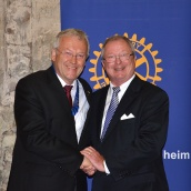 Präsident Joachim-Felix Leonhard (links) mit seinem Vorgänger Reinald Hoben.