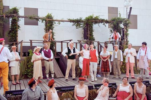 StaatstheaterDA_Weinberg02